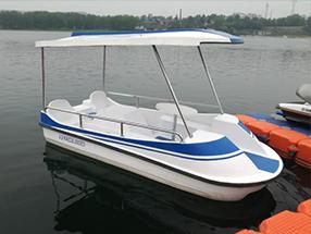 流线型6座脚踏船